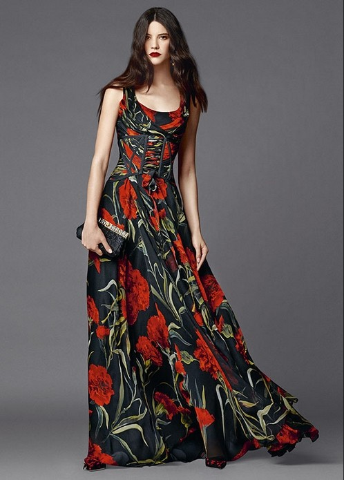 Maxi-Black-and-Red-Floral-Dress-on-fashionmyloveitaly-Dolce-Gabbana-Abbigliamento-Donna-Estate-2015