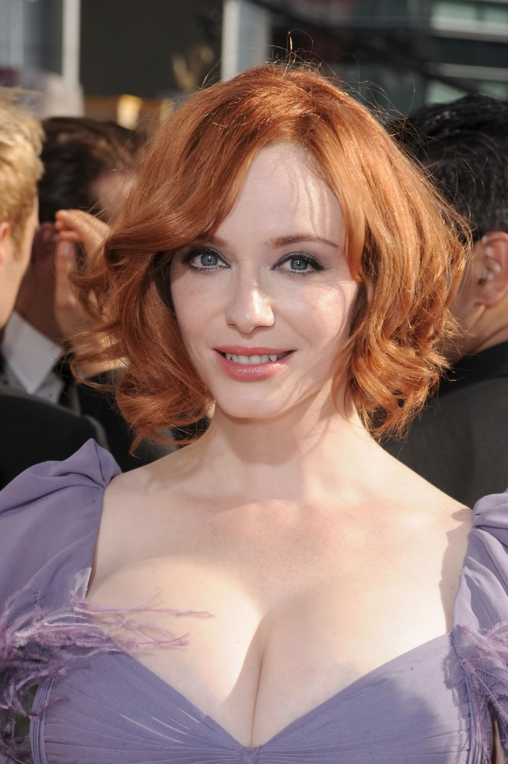 2010Emmys-ChristinaHendricks_red hair