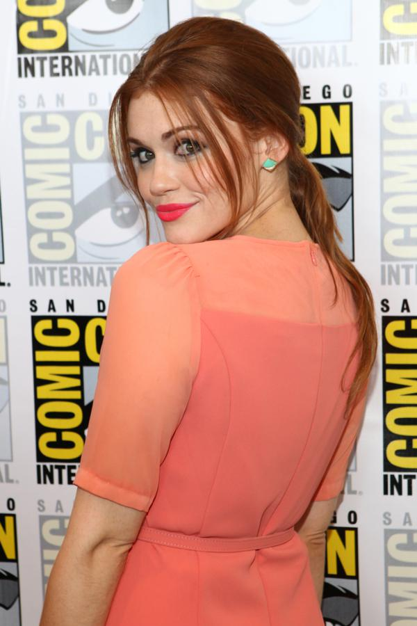 Holland Roden - 'Teen Wolf' - coral color dress_red_hair