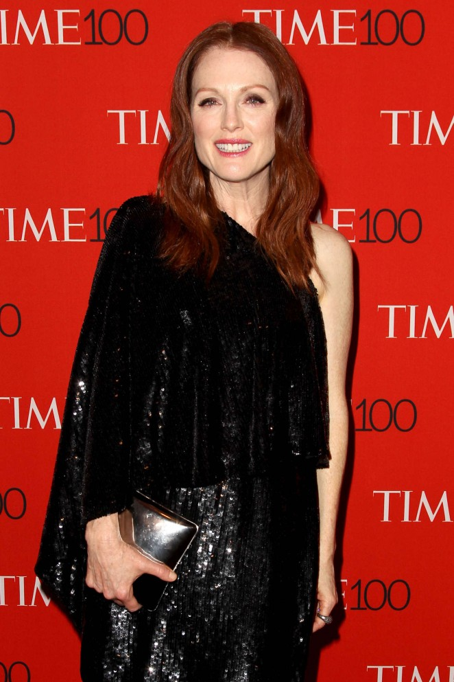 Julianne-Moore--TIME-100-Gala-red_hair_black dress