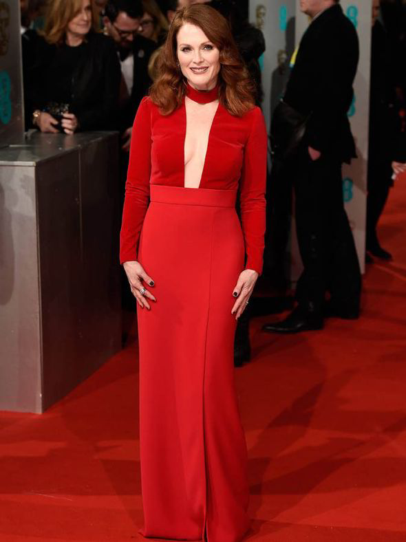 Julliane-Moore-in-long-red-dress-red_hair