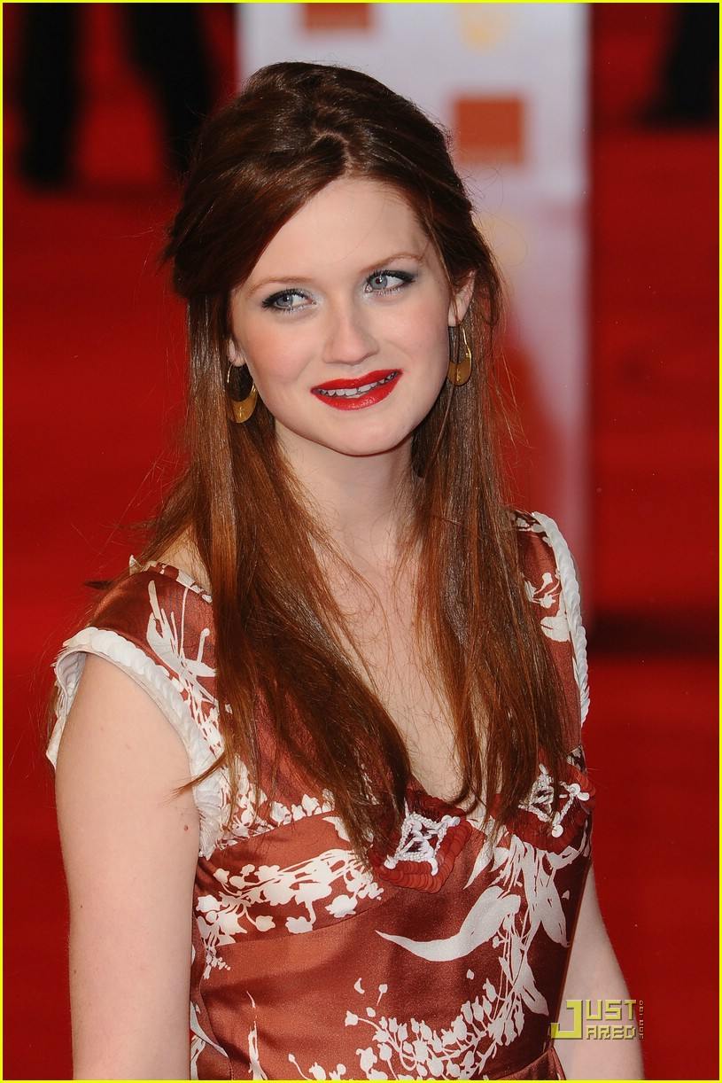 Bonnie Wright_red hair 2011 Orange British Academy Film Awards