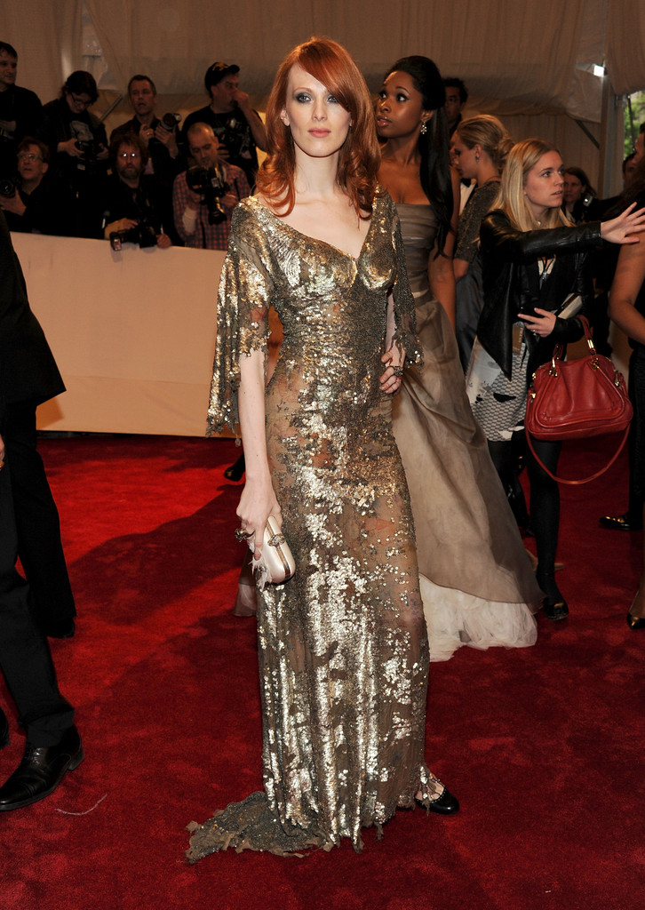 Karen+Elson+Dresses+Gold_color_red hair