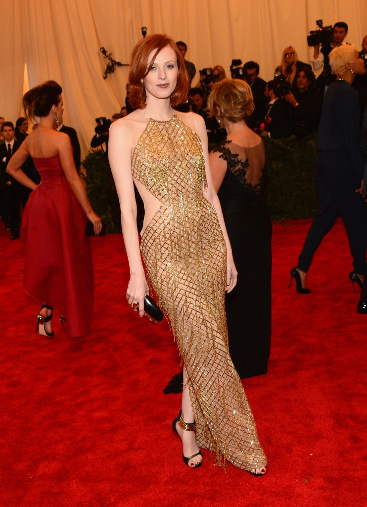 Karen Elson _red_hair_gold_color-dress