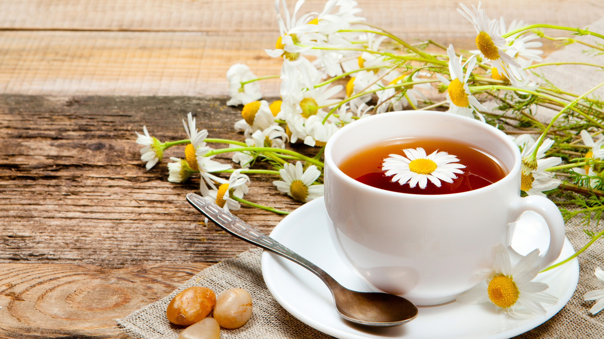 Chamomile-Tea-for hair care