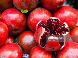 pomegranatejuice-for-hair-skin