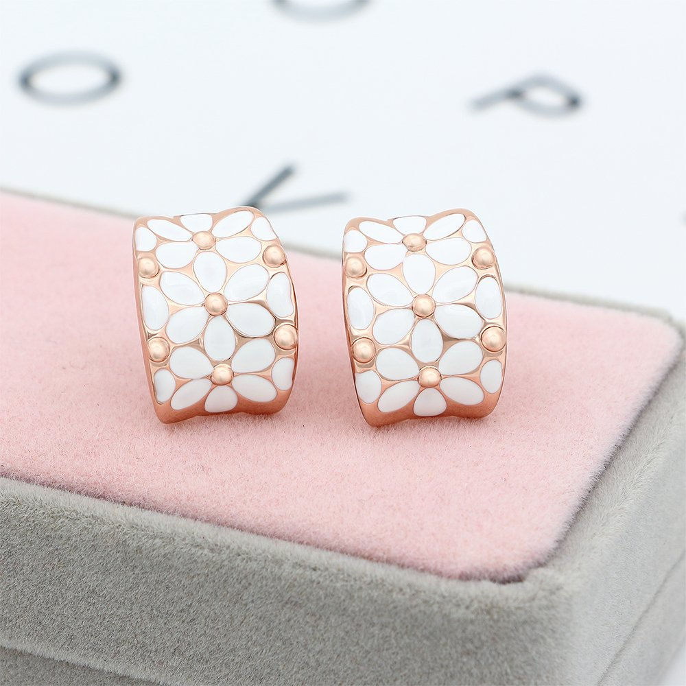 clip-on earrings-flower-motifs-pretty