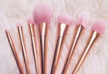 rose_gold_makeup_brushes_cleaning_methods_shampoo