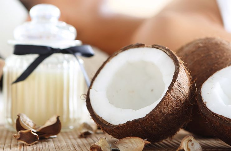 natural-makeup-removal-coconut-oil