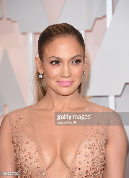 monochromatic_peach_makeup_jennifer_lopez